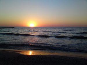 bursztynowy zachód słońca
