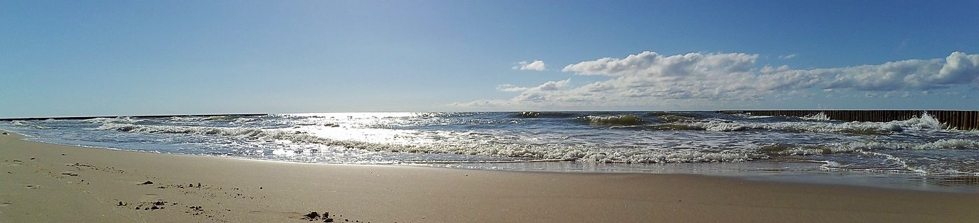 malowniczy brzeg morski w Wiciu